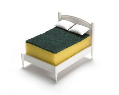 Bed shaped sponge holder